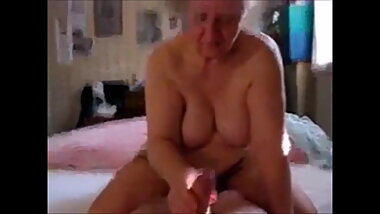 Very old granny gives handjob and gets cumshot