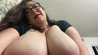 BBW Giantess GFE Foot Rub and Pussy Eating
