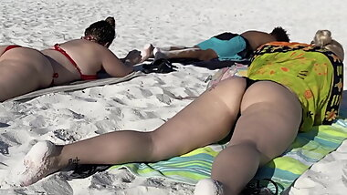 Pawg on beach in thong twerking